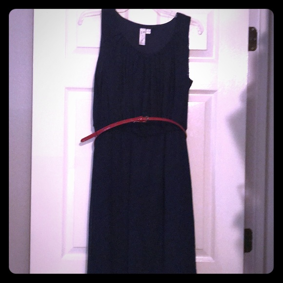 Emma & Michelle Dresses & Skirts - Navy chiffon dress.